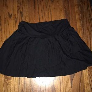 Dresses & Skirts - Black skater skirt❤️